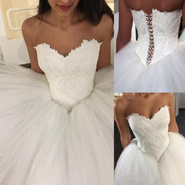 Wholesale Puffy White Corset Wedding Dresses - Puffy Ball Gown Tulle Wedding Dresses Sweetheart Lace Corset Bodice Lace-up Floor Length Bridal Gowns Wedding Dress Plus Size Cheap