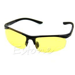 Visão noturna de condução óculos de sol carro anti-reflexo deslumbrante óculos  de sol óculos de viseira óculos de sol da viseira do carro promoção 436e019b592