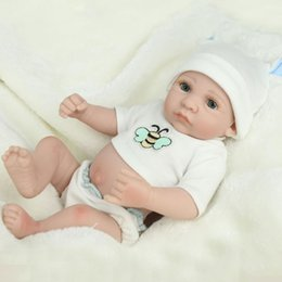 silicone realista para bonecos de bebê Desconto Atacado-10 polegada Mini Completo bebê Silicone Reborn Baby Boy Bonecas Macio Body Drink Boneca Realista Brinquedos de Banho Playmate Newborn juguetes