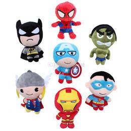 """Bambola di gomma online-Nuovo arrivo 7 Stile 8 """"20 cm The Avengers Capitan America Spider-man Thor Iron uomo Hulk Superman Peluche Bambola di pezza per il regalo del bambino"""