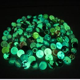 Wholesale glass fluorescence - Newest 100pcs lot 18mm fluorescence shiny Noctilucence Glass Snap Buttons Charms Fit Snap Bracelet Pendant DIY Jewelry