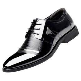 Wholesale metal cap shoes - Mens Bright PU Leather Cap-toe Oxfords Derby Dress Triangle Metal Stud Pointed-toe Wedding Formal Business Shoes