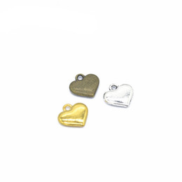 Pequeños colgantes de oro online-BULK 500 PCS Tiny Heart Charms colgante plata antigua, bronce antiguo, colores dorados 2 caras Just Lovely