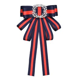 Wholesale vintage clothes accessories - i-Remiel Vintage Fabric Bow Brooches for Women Neck Tie Imported Material Wedding Party Accessories High Quality Clothing Accessories