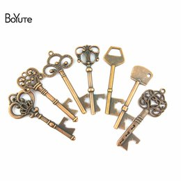 Wholesale Beer Bottle Charms - BoYuTe (10 Pieces Lot) 7 Style Zinc Alloy Beer Bottle Opener Key Pendant Charms for Jewelry Findings Components Diy Accessoris Parts