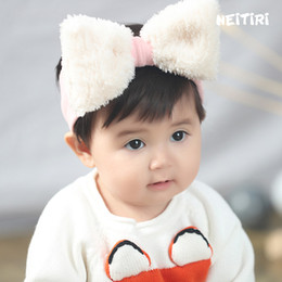 Wholesale Velvet Hair Accessories - New Christmas Toddler Princess big Bow Headbands Infant Baby Girls Velvet Pum Pum Soft baby 2018 Babies Stretchy Hair Accessories A8319