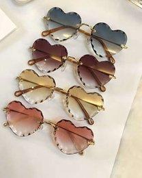 Gold herz geformte gläser online-150S Herz-Form-Sonnenbrille Gold / Rosa Gradient Lens Sonnenbrille Occhiali da Sohle Luxus-Designer-Sonnenbrille für Frauen Gläser
