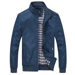 2019 soporte de código Chaqueta de otoño para hombres Soporte de cuello Casual Chaqueta suelta de gran tamaño para hombres Código europeo Diseñador Prendas de abrigo 6XL soporte de código baratos