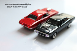 2019 brinquedos mini carros de metal 2018 Hot Mini Auto 1:32 O Rápido e Furioso Dodge Charger Liga Modelo de Carro Crianças Brinquedos para Crianças de Metal Clássico carros desconto brinquedos mini carros de metal
