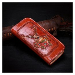 Коричневые кошельки онлайн-Pure hand craftskin carving elk and flowers of womens leather wallets and purses vegetable tanned leather personality men wallet