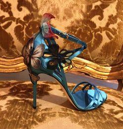 2019 brautschuhe offene zehe New Catwalk Sommer Fairy Schuhe Frauen lebendige Schmetterling Sandalen offene Zehe High Heels Bow Applique Stilettos Braut Hochzeit Kleid Sandalen günstig brautschuhe offene zehe