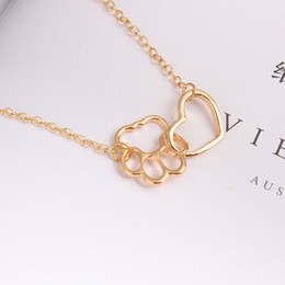 Wholesale Celtic Jewel - whole saleHot new simple version of the European and American animal peach heart pendants hollow clavicle chain necklace cheap party jewel