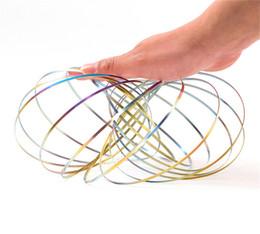 2019 kinetische spielzeug Regenbogen ToroFlux Frühling Metall Flowtoys Magic Flow Ring Kinetische Geoflux Spaß Kinder Geschenk Interaktives Spielzeug DDA217 günstig kinetische spielzeug