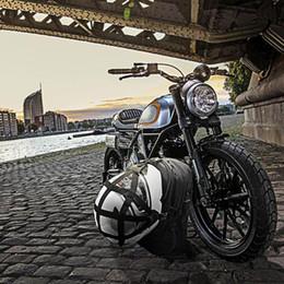 4ce5b191dca 2019 mochilas de moto negro Multifuncitonal Motorcycle Knight Riding  Backpack Moto Bolso del casco Negro Bolsa