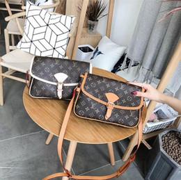 Wholesale top quality brand handbags - AAAAA top quality Luxury brand Bags 2018 women bag designer handbags bags women wallet handbag luxury brands Ladies bags Single shoulder bag