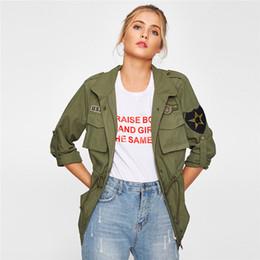 Джинсовая куртка онлайн-Жакет из плотной талии с рукавами и накладными рукавами Женская зеленая однобортная джинсовая куртка и верхняя одежда для женщин Верхняя одежда