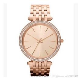 Ultra sottile donna in oro rosa diamante fiore orologi 2017 marchio di lusso infermiera abiti da donna femminile pieghevole fibbia da polso regali per le ragazze cheap nurses watches for women da infermieri orologi per le donne fornitori