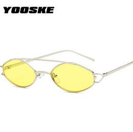 Argentina YOOSKE Cat Eye Sunglasses Mujeres Marca de Lujo Retro Pequeño Marco de Metal Rosa gafas de Sol 90 s Amarillo Negro Sunglass Sombras UV400 supplier yellow sunglasses frames Suministro