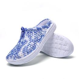 2019 sandalen china 2018 Neue Sommer Blaue und Weiße China Höhle Sandalen Frauen Hausschuhe Rutschfeste Licht Atmungsaktive Sandalen