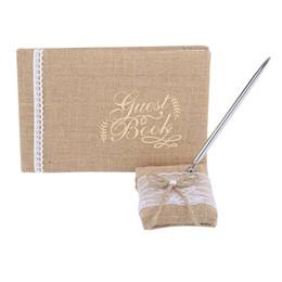 Decorazioni ricevimenti online-Guest Guest Calligrafia semplice Firma Guest Books Tessuto di juta con fiori di pizzo per la festa di compleanno Decorazione di nozze