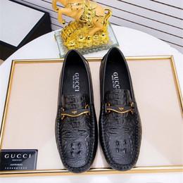 Zapatos de cuero genuino italiano online-Zapatos de lujo de los hombres de la marca de cuero genuino de conducción informal Oxfords Pisos zapatos para hombre Mocasines Mocasines italianos zapatos de conducción de los hombres EU38-47