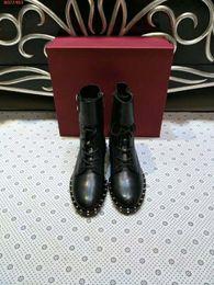 botas bordadas zapatos Rebajas Zapatos de marca Heavy craft nail bead factory factory custom fashion beautiful Original craft nail bordan black with Flat women boots.