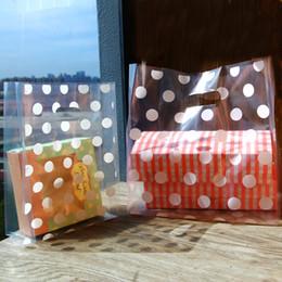 Sacchetti di regalo in plastica bianca online-Sacchetti di plastica del regalo del pois bianchi, sacchetti della spesa di plastica, borse al minuto, borsa di favore del partito 50pcs / lot