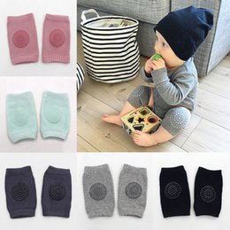 knee pads for crawling protectors Promo Codes - Anti-slip Knee Protectors For Crawling Babies Baby Pads Knee Protector Kids Kneecaps Children Short Kneepads Baby Leg Warmers OTH799
