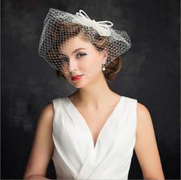 Canada vente en gros chapeau de mariée avec des perles en lin avec dentelle femmes accessoires de mariage chapeaux de mariée à la main diadème voile voile ornements de cheveux cheap wholesale hat veiling Offre