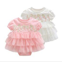 Pagliaccetti del vestito da estate del bambino appena nato 0-12M ragazza manica corta in cotone ricamato abito torta velo vestiti del bambino infantile tuta tute da