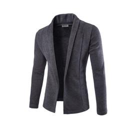 Abrigos beige online-Escudo Escudo V-cuello del suéter de la chaqueta de punto concisa hombres de color sólido delgado para hombre de la chaqueta de punto Cardigan Hombre Hombres de la gota del Buque