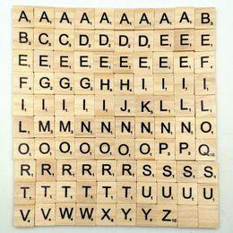 100 adet / takım Ahşap Alfabe Scrabble Karolar El Sanatları Ahşap OTH549 Için Siyah Harfler Sayılar cheap wooden craft letters nereden ahşap zanaat harfleri tedarikçiler
