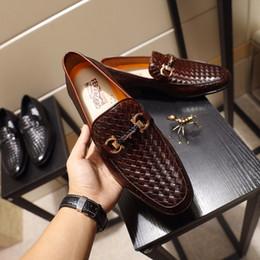 2019 couro cunhas sapatos Hot 2018 homens sapatos vestido de couro Designer de marca de luxo sapatos de alta qualidade sapatos de marca homens vestido [Original Box] desconto couro cunhas sapatos