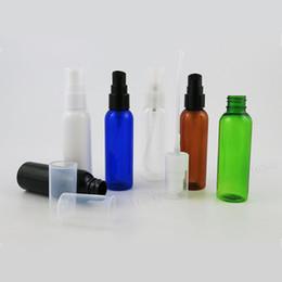 2019 bomba de botella de ámbar 50 x 60 ml ámbar claro negro blanco verde mascota botella de bomba de loción de plástico botella de plástico de 60cc con bomba botella de bomba de champú de 2 oz bomba de botella de ámbar baratos