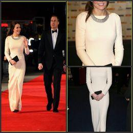 Blanc Élastique Satin Longueur De Plancher Robes De Soirée Manche Longue Fente Sur Le Front Kate Middleton Original Robes De Celebrites Robes Tapis Rouge 777 ? partir de fabricateur