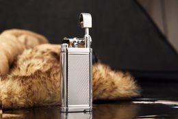 Новое поступление горячий подлинный продукт Оптовая SPUNK легче ветер доказательство легче творческий зажигалка трубы новый металлический Факел с подарочной коробке от