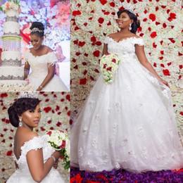 Off ombro vestidos de casamento puffy on-line-Vestidos de novia 2018 Dubai Vestidos De Casamento Árabe Novo Fora Dos Ombros Appliqued Longos Vestidos De Noiva Puffy Tulle Até O Chão Maternidade Mais