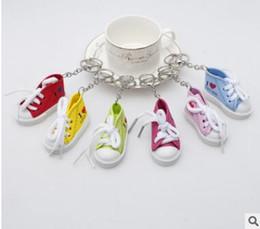 Zapatos deportivos casuales llaveros carta amante llaveros 3D encajes accesorios de moda regalos promocionales 6 colores 525 desde fabricantes