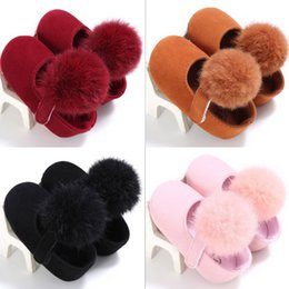 Lindos zapatos de invierno para niñas online-Winter Warm Baby Girl Botas de moda Pom Toddler Fancy Cute Shoes Nueva llegada Princess Shoes