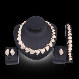 Wholesale jewelry dubai white gold - Top Exquisite Dubai Jewelry Set Luxury Gold Color Big Nigerian Wedding African Beads Jewelry Set Costume Design