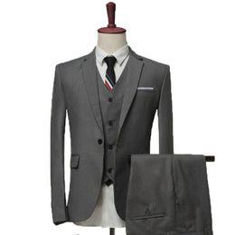 Smoking bleu marine en Ligne-Gris / noir / bleu marine Business Party hommes costumes 2018 smokings de noces marié trois pièces (veste + pantalon + gilet)