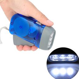 lumière led éteinte Promotion 3 LED Main Presse Lampe de Poche Wind Up Manivelle Dynamo Lampe de Poche Lumière Torche Camping Portable Camping Lampe