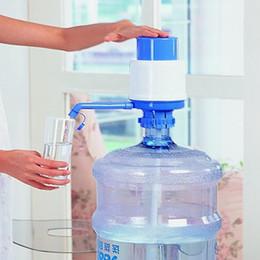 Canada Manuel en plastique en plein air à la maison de jardin de l'eau pure potable en bouteille d'eau potable de la pompe à eau de chauffage chauffe 2770 Offre