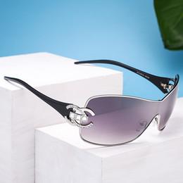 2018 oversize visiera occhiali da sole donne progettista di marca retro vintage occhiali da sole diamante tendenza signore personalità esterna occhiali da sole cheap vintage personality glasses da occhiali di personalità d'epoca fornitori