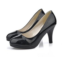 Wholesale Small Medium Heels Women Shoes - Small fashion shoes black single scoop shoes pointed shallow mouth high heel large size shoes burst models