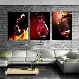 Bottiglie di dipinti online-Modern Kitchen Canvas HD Paintings 3 Pannelli Red Wine Cup Bottiglia di arte della parete pittura a olio Set Bar Sala da pranzo immagini decorative