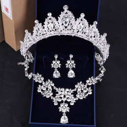collana scintillante di nozze Sconti Sparkly Rhinestone Accessories Set Crown Necklace Earring Wedding Bridal Jewelry 2018 Nuovo arrivo nuziale forniture da sposa