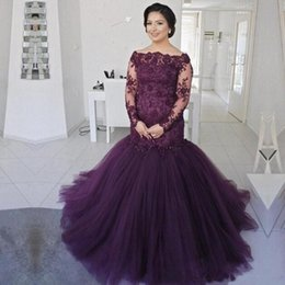 madre sirena púrpura vestidos de novia Rebajas La sirena púrpura de la sirena La madre de la novia viste el mangas largas escarpadas del cordón más el vestido de la madre del tamaño Tulle Sweep Train Prom Vestidos de noche