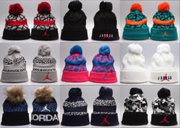 Beanie de rua on-line-Atacado 2018 Design de moda clássico Unisex Beanie Street Hip Hop gorros inverno chapéu quente de malha chapéus para mulheres homens gorro bonnet caps