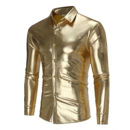 2018 Camisas de diseñador camisa de estilo discoteca de personalidad brillante camisa de los hombres camisa de manga larga salvaje de oro Camisa de vestir brillante de plata de plata de oro desde fabricantes
